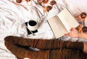 Lesen im Bett ist gemütlich und entspannend